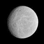 У спутника Сатурна была обнаруженна атмосфера как у Земли
