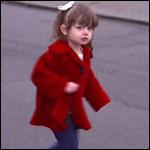 Девочка у которой нет половины мозга научилась ходить