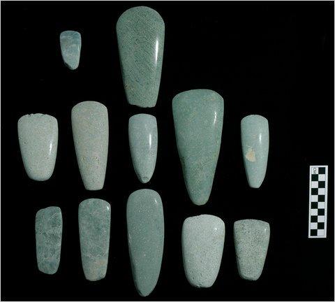 Археологи из Аризонского университета при раскопках в городе майя обнаружили несколько интересных находок