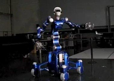 Немецкие специалисты разработали робота-гуманоида, способного поймать небольшой мяч
