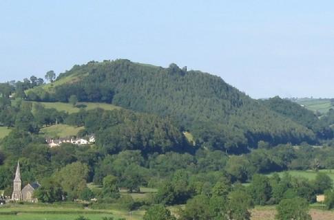 Ученые датировали холм Мерлина
