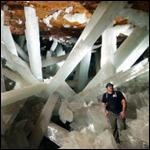 В Мексике есть пещера с огромными гипсовыми кристаллами