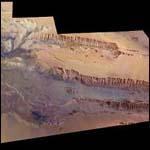 Создана подробная карта самого большого каньона в Солнечной системе