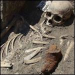 В Великобритании откопали странный скелет