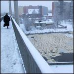 В Калининграде река Преголя покрылась пеной неизвестного происхождения