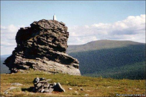 Российские власти должны организовать экспедицию для изучения аномальных зон на Урале