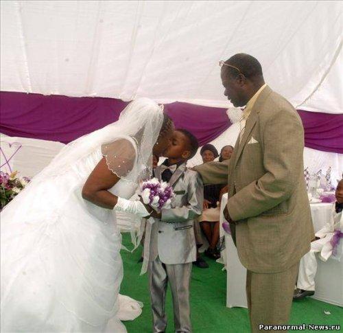 Призрак заставил жениться 8 летнего мальчика