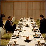Премьер-министр Японии боится призраков в официальной резиденции