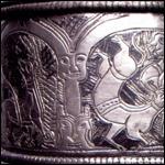 В Украине нашли старинный браслет с вурдалаком