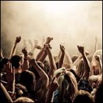 Музыку придумали, чтоб объединять людей в толпу?