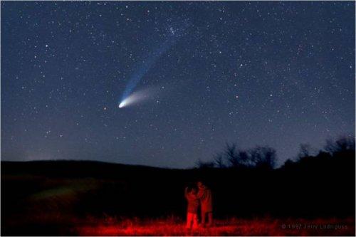 Духи путешествуют на кометах и метеоритах