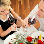 Совместный алкоголизм оказался безопасен для брака