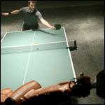 Экс-чемпион по настольному теннису обыграл робота