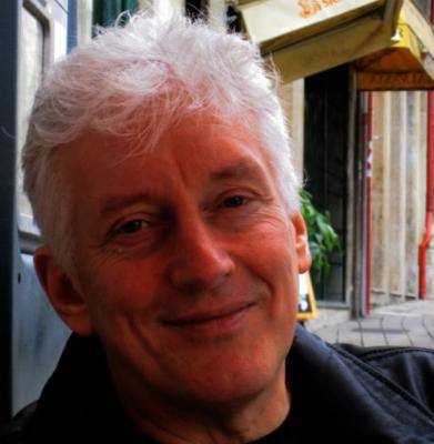 Профессор Манчестерского университета утверждает, что сфотографировал настоящих эльфов