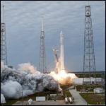 К МКС в третий раз отправился частный космический грузовик Dragon