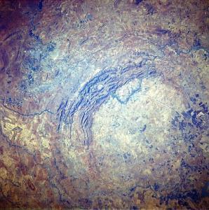 Самый старый и большой кратер Земли прощается с секретами