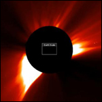 Гигантский космический объект воздействует на Солнце?