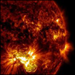 Учёные наблюдают солнечное пятно, равное 10 планетам величиной с Землю
