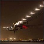 Самолет на солнечных батареях приземлился в индийском Ахмедабаде