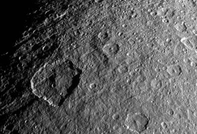 НАСА опубликовало воспроизведение горизонта Реи