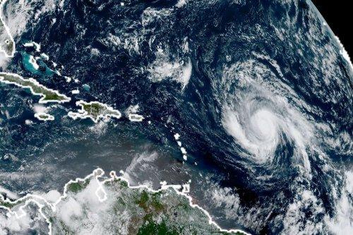 "Ураган ""Ирма"" - снимки из космоса"