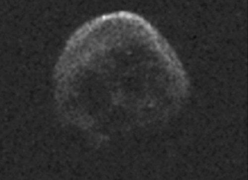 Астероид похожий на череп сближается с Землей