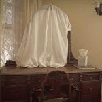 Почему закрывают зеркала в доме при смерти человека