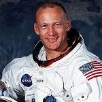 Американский астронавт Базз Олдрин признался, что люди не бывали на Луне
