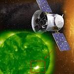 Возле Солнца обнаружили огромный НЛО